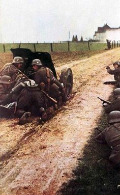 vintage everyday: World War II Photos in Color This shows how easily you could die or live