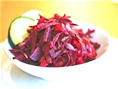 Flash in the Pan: Gingery Beet Salad A perfect light lunch this refreshing Gingery Beet Salad will perk up your insides and delight your taste buds! Ricki Heller Source by rickiheller Beet Recipes, Raw Food Recipes, Salad Recipes, Cooking Recipes, Healthy Recipes, Beet Salad, Salad Bar, Candida Diet, Easy Salads