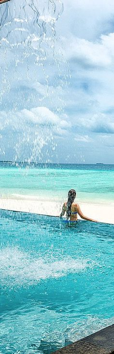 Four Seasons Resort, Maldives pool//wow! I want to see that view in person! Spa, Dream Vacations, Vacation Spots, Merida, Tropical Paradise, Pakistan, Tibet, Hotels And Resorts, Beautiful Beaches