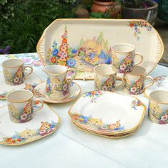 1930 Swinnertons Hampton Ivory Old England Gardens 15 pce Coffee / Sandwich Set