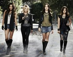 Pretty Little Liars outfits  =)
