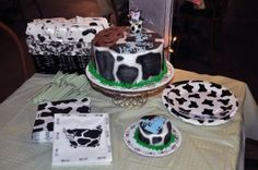 cow themed birthday party...yes please!