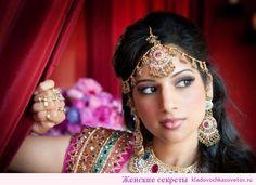 Такая индийская маска для волос не только напитает Ваши локоны здоровьем, но и сделает их привлекательными, шелковистыми и послушными. Делать такую маску рекомендуется раз в месяц – чаще просто не имеет смысла – эффект от нее держится довольно продолжительное время. А так, как все познается на практике, то пробуйте, может быть, индийские маски для волос …