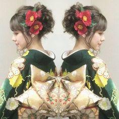 昨日は本社の振袖専門店はやみで 成人式前撮りの撮影会でした ゆるく波ウェーブをかけて やわらかい質感のアップ 深い緑の振袖に金色の帯… 赤の椿の髪飾りがピッタリで とても素敵でした! #ヘア #ヘアメイク #ヘアアレンジ #結婚式 #結婚式ヘア #サロモ #東海プレ花嫁 #ウェディング #和装ヘア #バニラエミュ #セットサロン #ヘアセット #アップスタイル #成人式ヘア #プレ花嫁 #和装前撮り #前撮り #着物ヘア #和装 #成人式 #花#色打掛#2016秋婚 #振袖#kimono #photo #hair #beauty #hairmake