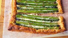 Asparagus Gruyere Tart: Roll 1 sheet puff pastry to rectangle on parchment lined sheet, score from edge, pierce inside scoreline. Bake at for 15 min. Sprinkle with grated gruyere; arrange asparagus over. Brush with olive oil, season with s&p. Asparagus Tart, How To Cook Asparagus, Asparagus Recipe, Tart Recipes, Veggie Recipes, Vegetarian Recipes, Cooking Recipes, Easy Appetizer Recipes, Easter Recipes