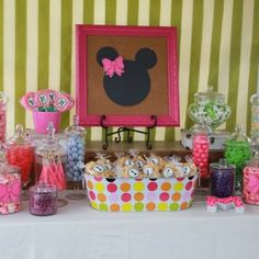 Minnie Mouse Party- framed sign
