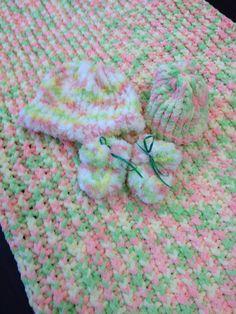 loom knitted baby blanket, newborn hat, infant/toddler hat, booties.   2014 for Mrs Johnson