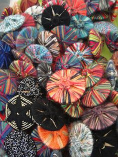 Yarnlot: Staphorster knoop-Buttons from Staphorst-Boutons traditionnels. #Overijssel #Staphorst