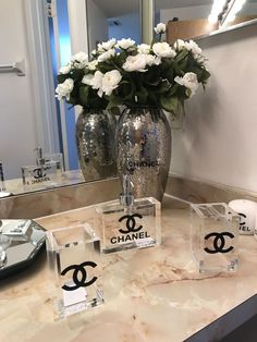 Nice Bedroom Inspired By Chanel Home Decor chanel home decor Chanel Dekor, Chanel Bedroom, Glamour Decor, Glam Room, Diy Décoration, Trendy Home, Awesome Bedrooms, Trendy Bedroom, Beauty Room
