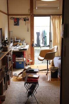台所から部屋をのぞむ Japanese Apartment, Interior Architecture, Interior Design, Home Room Design, Fashion Room, House Rooms, Cozy Place, My Room, Living Spaces