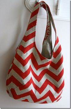 Great bag to sew -- THINK *present* for the upcoming holidays!!