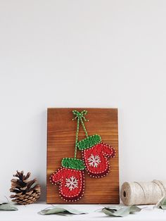 Christmas Decorations – Modern Christmas Mitten Wall decor – a unique product by Good-Lights on DaWanda