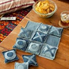 I came across an old project I'd designed - a little tic-tac-toe set made from recycled denim 👖 The pattern also includes a denim bag that holds the game pieces. I'm so glad I found my little tic-tac-toe set again - it makes me smile. Jean Crafts, Denim Crafts, Diy Adornos, Tic Tac Toe Game, Sewing To Sell, Scrap Material, Recycled Denim, Easy Sewing Projects, Fall Projects