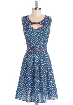 Good Ol' Daisy Dress in Blue Bouquet. Take a gander at this Trollied Dolly dress for a look of retro recollection! #blue #modcloth