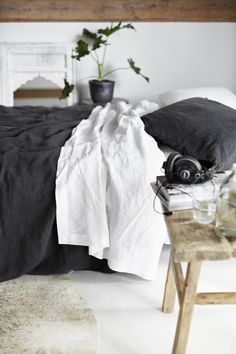 bedouin SOCIETE linen bedding at Indie Home Collective Cozy Bedroom, Dream Bedroom, Bedroom Decor, White Bedroom, Bedroom Ideas, Master Bedroom, Home Staging, Decoracion Low Cost, Sweet Home