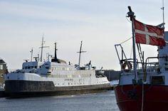 I dag sænkes 52 år gammel dansk færge: Får evigt liv på havets bund - Danmark   www.bt.dk