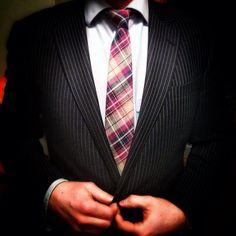Most Popular Photos Mens Attire, Mens Suits, Suit And Tie, Well Dressed Men, Suit Fashion, Guy Style, Men's Style, Gentleman Style, Most Popular