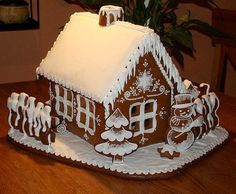 Sweet Christmas Inspiration Served by 50 Jaw Dropping DIY Gingerbread Houses Cool Gingerbread Houses, Gingerbread House Designs, Gingerbread Village, Christmas Gingerbread House, Gingerbread Cake, Ginger Bread House Diy, Ginger House, Christmas Goodies, Christmas Baking