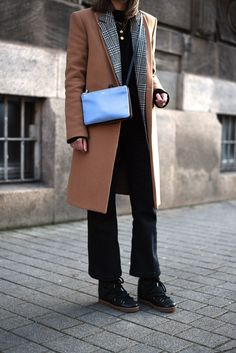 More on www.offwhiteswan.com  Camel Winter Coat, Isabel Marant Nowles Boots Black, Celine Triobag, Cropped Flared Pants by H&M, Houndstooth Blazer by H&M Trend, Winter Streetstyle, Fashion, Trend 2017 #swantjesoemmer #offwhiteswan