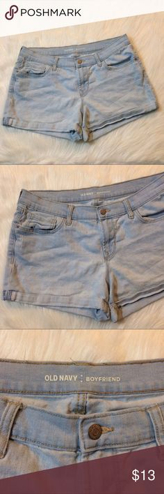 Lightwash boyfriend shorts Old Navy boyfriend shorts, lightwash size 12 and in very good condition! Old Navy Shorts Jean Shorts