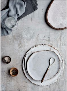 Earth and Baker ceramics - these irregular earthy plates are perfect for serving home made cakes this winter. Read more about where to buy wabi-sabi ceramics on Disneyrollergirl Wabi Sabi, Ceramic Plates, Ceramic Pottery, Ceramic Art, Pottery Plates, Porcelain Ceramics, Ceramic Spoons, Blue Pottery, Sweet Home