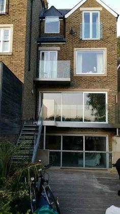 Glass juliet balcony by Railinglondon ltd