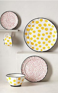love this polka dot plate set #anthrofave http://rstyle.me/n/rzg7rr9te