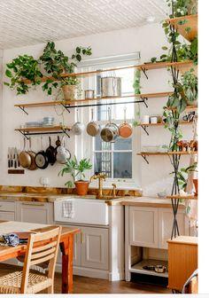 New York Loft, Architectural Digest, Interior Design Kitchen, Kitchen Decor, Kitchen Plants, Eclectic Kitchen, Eclectic Decor, Bathroom Interior, Dream Apartment