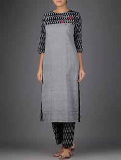 Salwar Neck Designs, Neck Designs For Suits, Churidar Designs, Kurta Neck Design, Kurta Designs Women, Dress Neck Designs, Blouse Designs, Salwar Pattern, Kurta Patterns