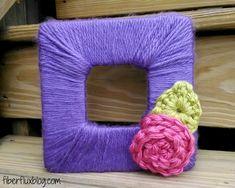 Fiber Flux: Free Crochet Pattern + Project...Blooming Photo Frame! ༺✿ƬⱤღ https://www.pinterest.com/teretegui/✿༻