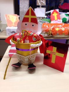 Surprise saint nicolas Plus Paper Crafts For Kids, Easy Crafts For Kids, Diy And Crafts, Reborn Dolls, Reborn Babies, Baby Dolls, Miniature Dolls, Miniature Houses, Homemade Christmas Crafts