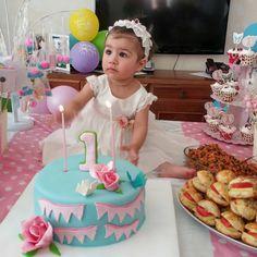 #doğumgünü #doğumgünüpastası #şekerhamuru #parti #pasta  #bebek #kızbebek #kızbebekdoğumgünü #masa #pasta