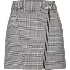 TOPSHOP Checked Biker Mini Skirt (1,190 MXN) ❤ liked on Polyvore featuring skirts, mini skirts, monochrome, short a line skirt, topshop skirts, a line skirt, checkered skirt and women skirts