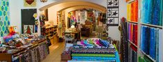 Laden-komplett Lokal, Germany Travel, Munich, Times Square, Quilts, Wanderlust, Painting, Art, Dyeing Fabric