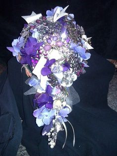 made this brooch boquet for my friends wedding
