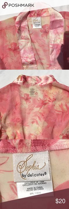 Dressing gown Sophia by Delicates - Flowery knee- length, sheer dressing gown. Color - pastel yellow and pale peach tones. This is a really nice piece. Like new.   Size X-Large Sophia by Delicates Intimates & Sleepwear Robes