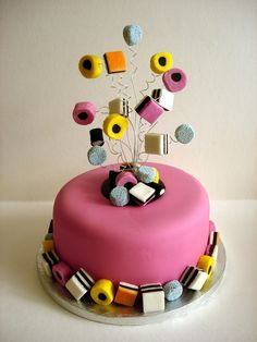 Liquorice Allsorts cake idea,sweets on wires Cake Icing, Fondant Cakes, Fondant Figures, Cupcake Cakes, Cupcakes, Lolly Cake, Dad Cake, Liquorice Allsorts, Decoration Patisserie