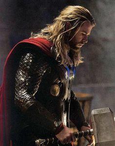 Les presentamos nueva imagen de Chris Hemsworth como Thor en The Dark World que llegará a México el 01 de noviembre.