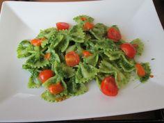 Farfalle  alla  crema di erbe e pomodori  Gino D'Aquino  <^> <^>
