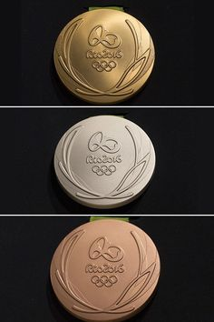 The best athletes in the world will compete for some amazingly looking medals during the 2016 Olympics in Rio de Janeiro, Brazil. The Olympics have unveiled the gold, silver and bronze medal design… Rio Olympic Medals, Olympic Gymnastics, Olympic Sports, Olympic Games, Olympic Athletes, Tokyo Olympics, Rio Olympics 2016, Summer Olympics, Olympic Idea