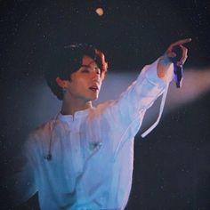 """jungkook is an angel ✨"" Foto Bts, Bts Photo, Maknae Of Bts, Jungkook Oppa, Busan, Seokjin, Hoseok, Jung Hyun, Jungkook Aesthetic"