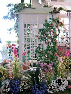 BluKatKraft: Dollhouse Miniatures: Conservatory and Garden. (Stunning!)