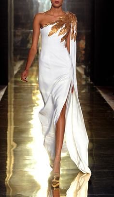 Georges Chakra Haute Couture Fall 2012. #Fashion #White #Gold (gives me an idea about an Artemis costume for Halloween)