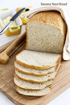 Fragrant and tender Banana Yeast Bread with a hint of cinnamon. Use ripe bananas for best results. Very easy in the bread machine. Cooking Bread, Bread Baking, Cooking Recipes, Rice Recipes, Yeast Bread Recipes, Bread Machine Recipes, Homemade Donuts, Homemade Breads, Muffins