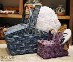 Cestas de piquenique clássicas, excelentes para fazer um lanchinho durante um passeio em família! | Veja onde adquirir nossas peças em http://www.fuchic.com.br/#!enderecosfuchic/cq3z // Classic picnic baskets, amazing for a snack during a family walk!| See where to get our products: http://www.fuchic.com.br/#!enderecosfuchic/cq3z
