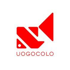 design unit UOGOCOLOのロゴマーク。  金魚のような魚のモチーフがどこか涼しげなロゴデザインです。 こち