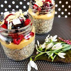 3 retete cu cereale pentru micul dejun Quinoa, Cooking Recipes, Healthy Recipes, Healthy Food, Acai Bowl, Oatmeal, Deserts, Food And Drink, Health Fitness