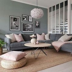 Gray Living Rooms Ideas - From formal to laid-back, as well as modern-day to traditional, these gray living room ideas will satisfy every design of designer. room design 30 Stylish Gray Living Room Ideas To Inspire You Blush Pink Living Room, Living Room Grey, Living Room Modern, Home Living Room, Apartment Living, Interior Design Living Room, Living Room Designs, Living Room Decor, Living Room Paint