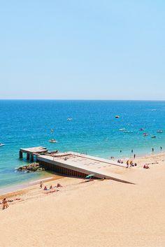 Heb jij zin in de Portugese zon? De Algarve is natuurlijk een heerlijk gebied waar jij volop kunt gaan genieten van het heerlijke strand en om af te koelen een duik te kunnen nemen in de zee! Tel daar de gezellige Portugese sfeer bij op en je vakantie is helemaal compleet! Check de deal snel en ga genieten! https://ticketspy.nl/?p=123556