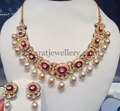 Oh yeah. I'm definitely plundering this for myself. Jewellery Designs: Opulent Kundan Set with Pearl Drops